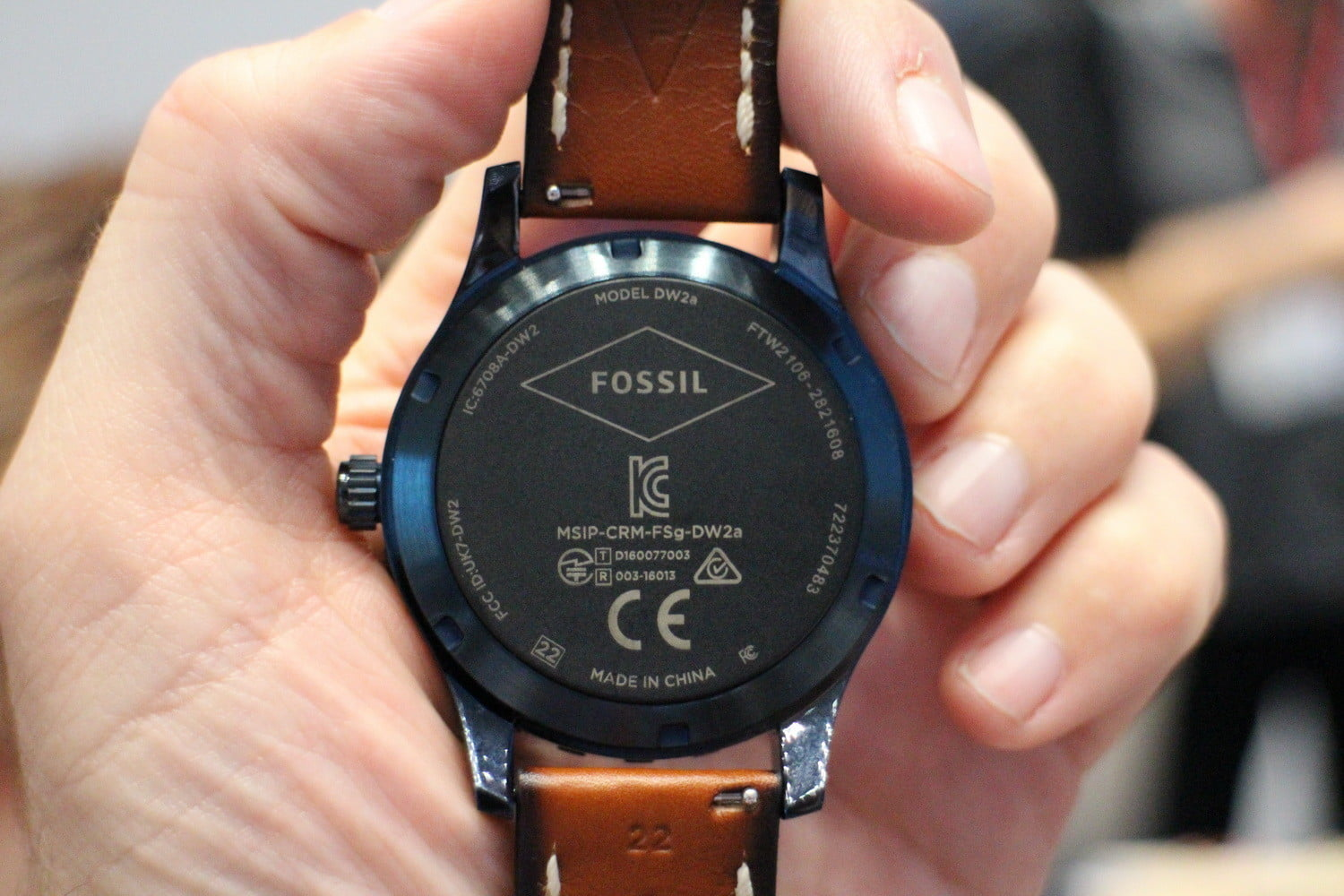 how to delete watch face on fossil q wander smartwatch