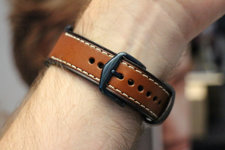 fossil q wander marshal hands on