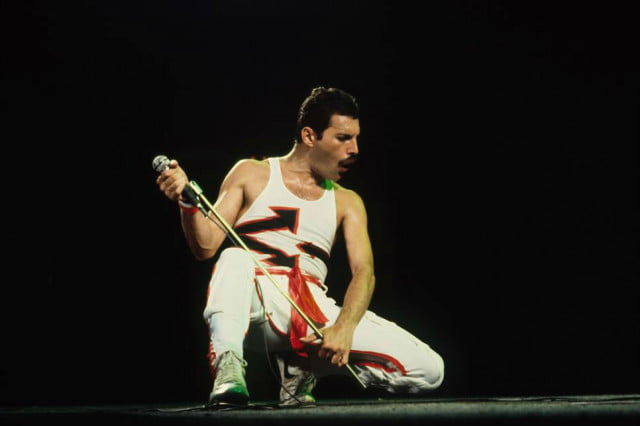 freddie mercury notebook set to be auctioned