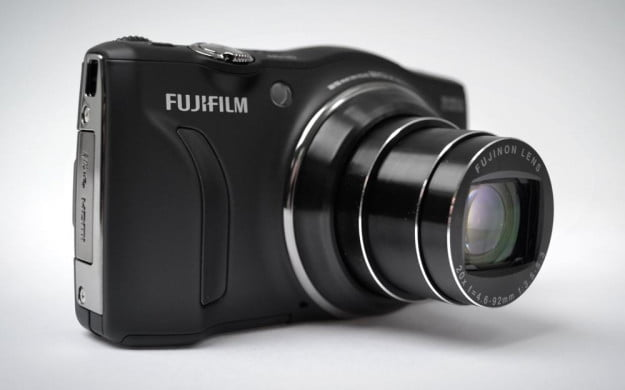 Fujifilm FinePix F770EXR Review Lens Extended