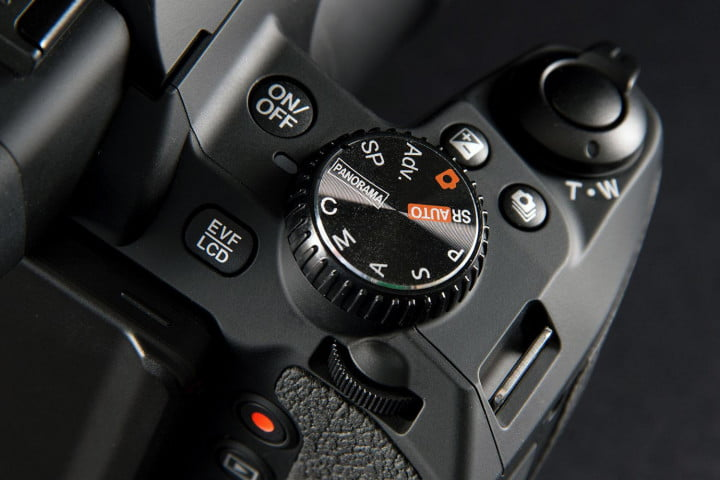 fujifilm finepix s  review top controls