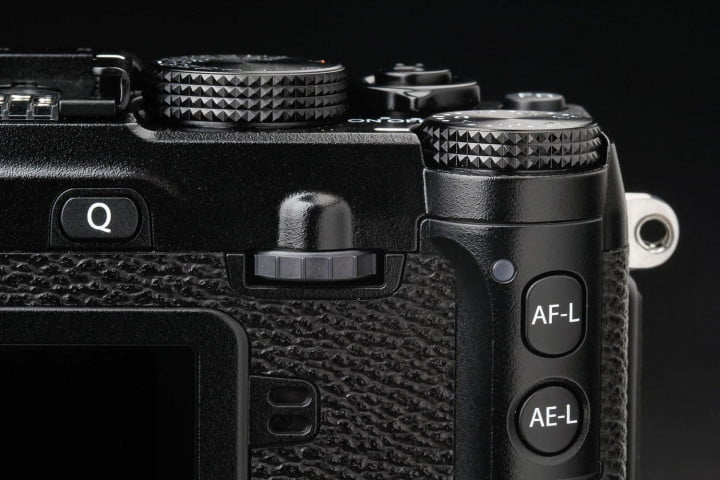 fujifilm x e  review top controls