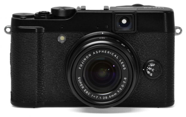 Fujifilm-X10-review-front-lens