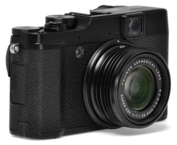 Fujifilm-X10-review-front-lens-angle
