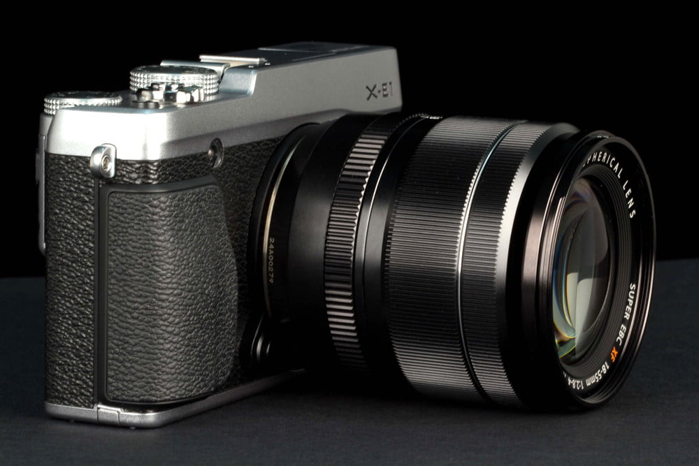 Fujifilm XE 1 review front angle
