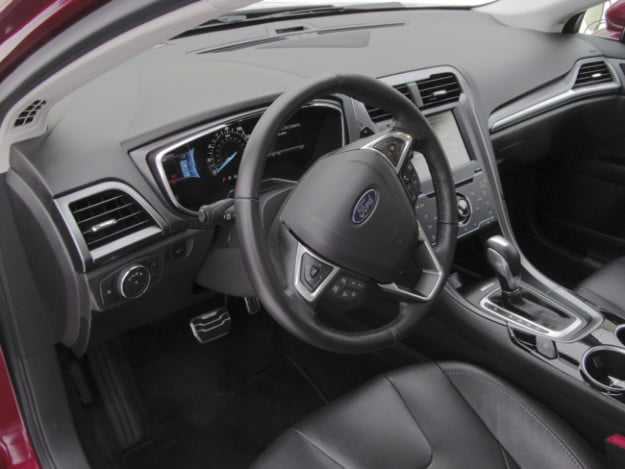 2013 Ford Fusion dashboard