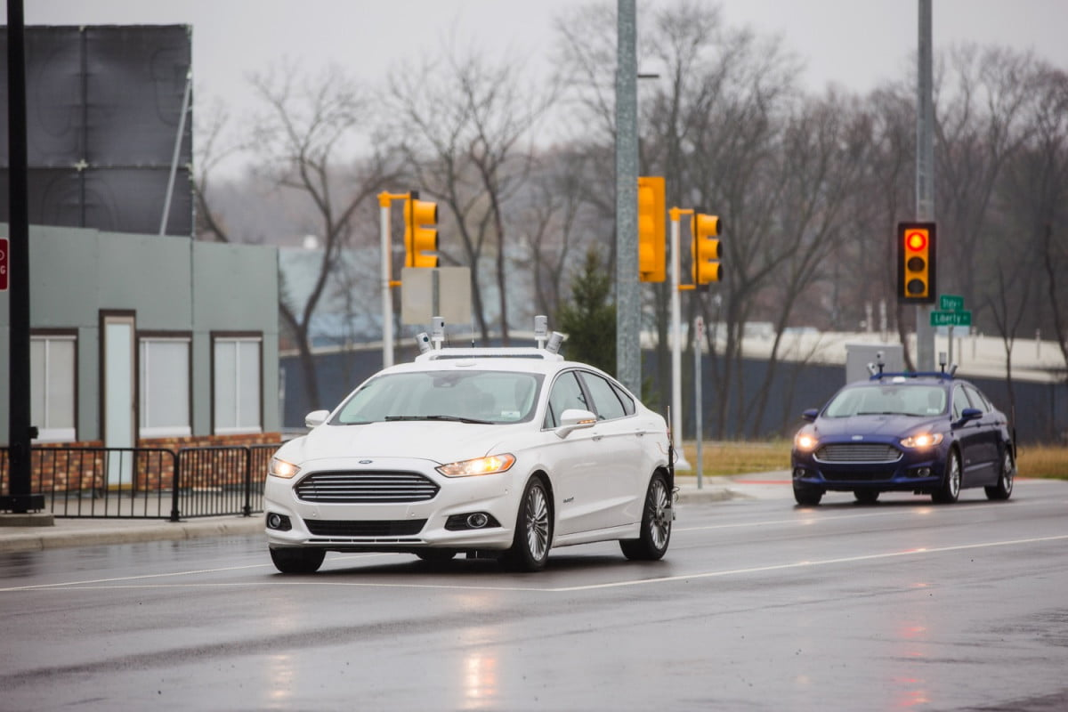 fords fleet of autonomous test cars gets bigger smarter ford fusion hybrid research vehicles