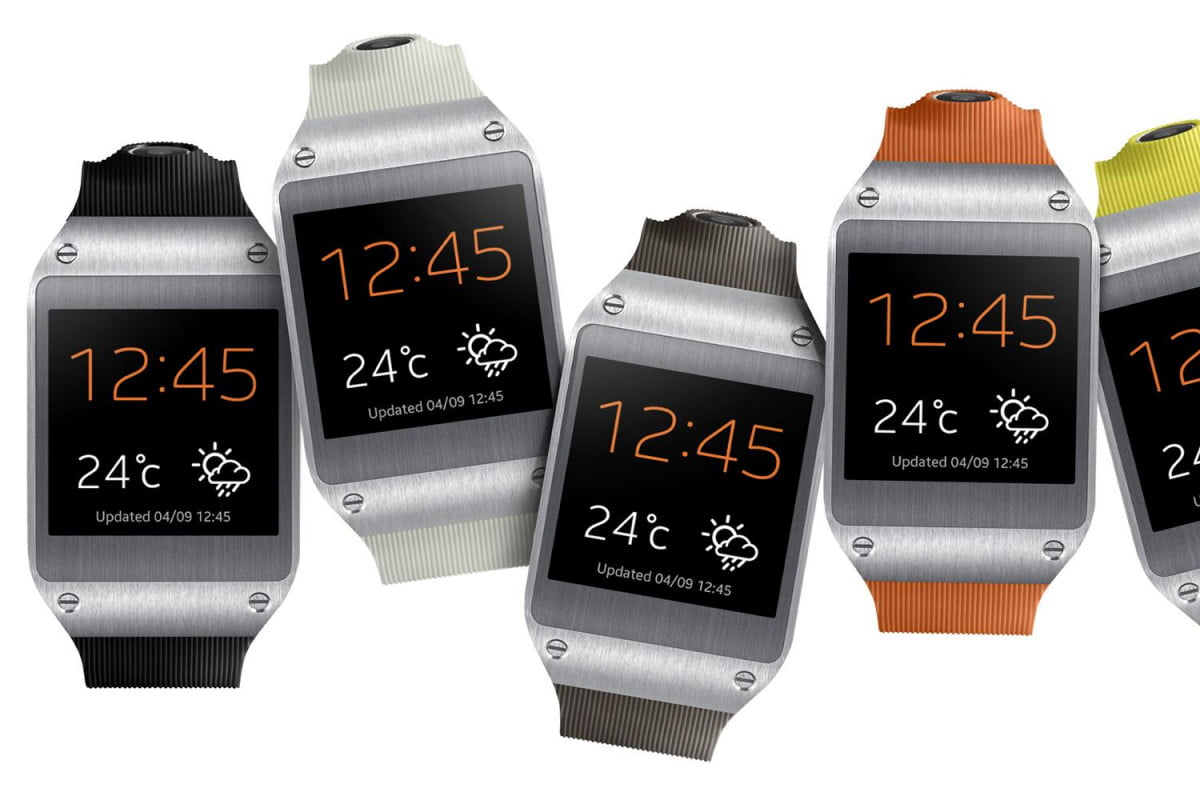 galaxy gear hits best buy though samsung exec says it lacks something special  set front six