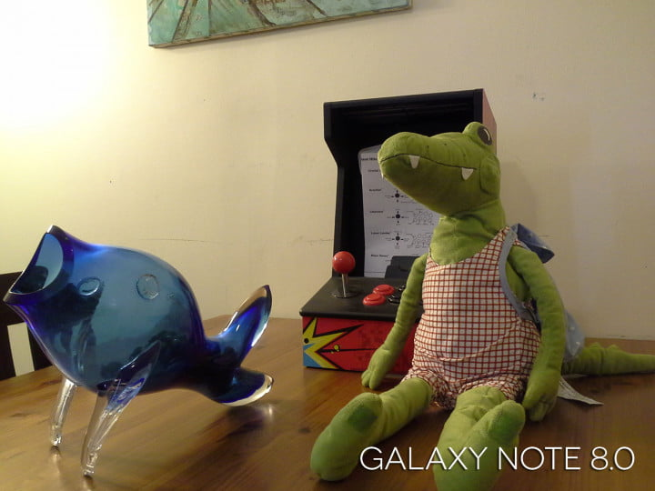 ipad mini vs galaxy note  sample image still life