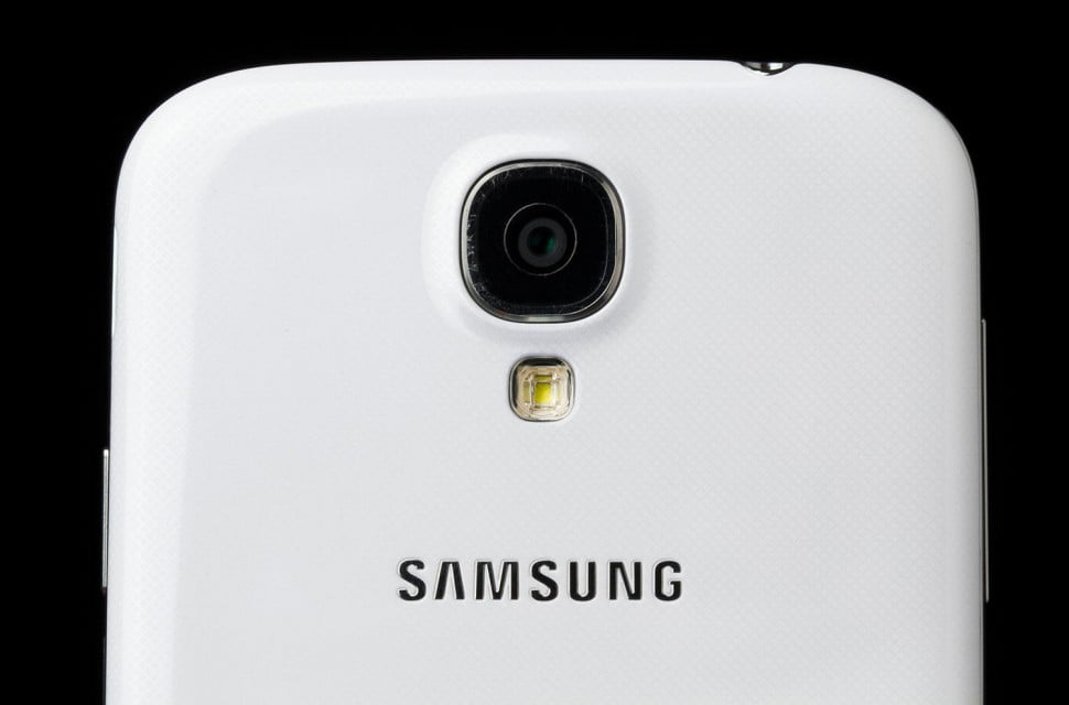 Galaxy-S4-Google-Edition-back-top-macro
