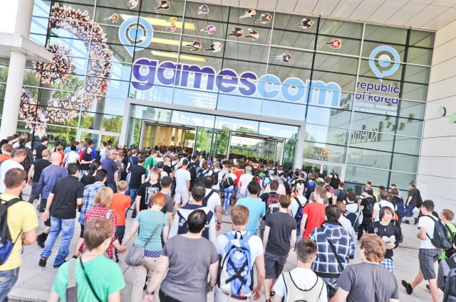gamescom  shatters attendance records dates announced