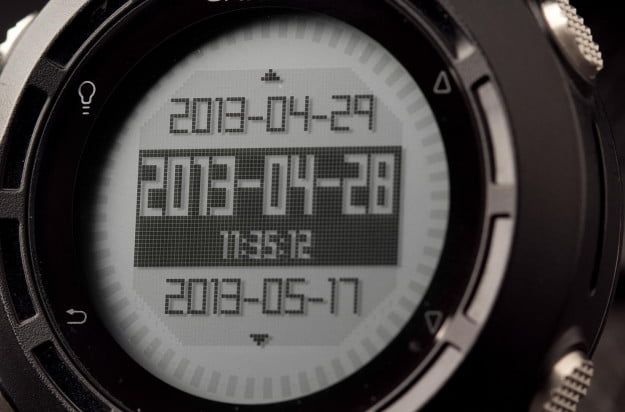 Garmin-fenix-display-close-up