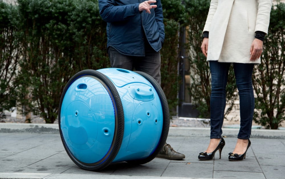 This personal cargo robot can move your stuff as fast as a bicycle