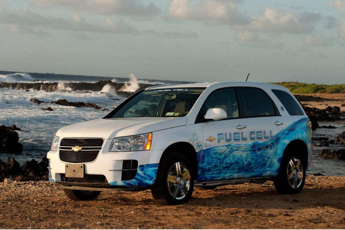 gm hydrogen fuel cell vehicles log  million miles in testing fuelcell vehicle