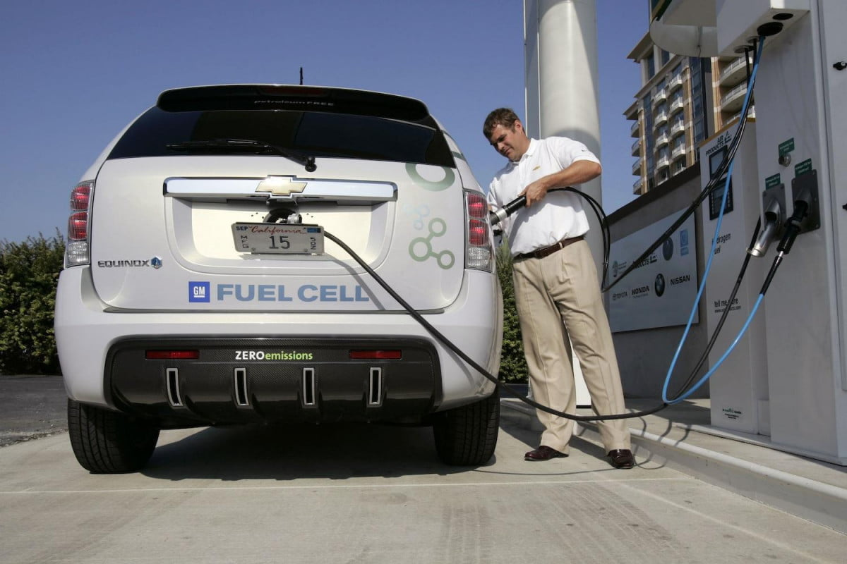 gm partners with u s military to develop the next generation of hydrogen cars and tanks