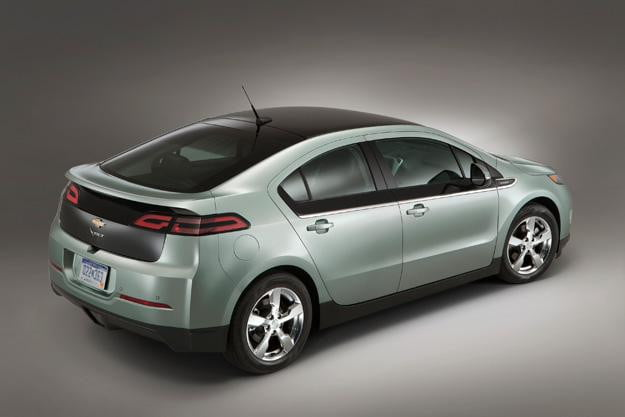 GM-replacing-Chevy-Volt-power-cords