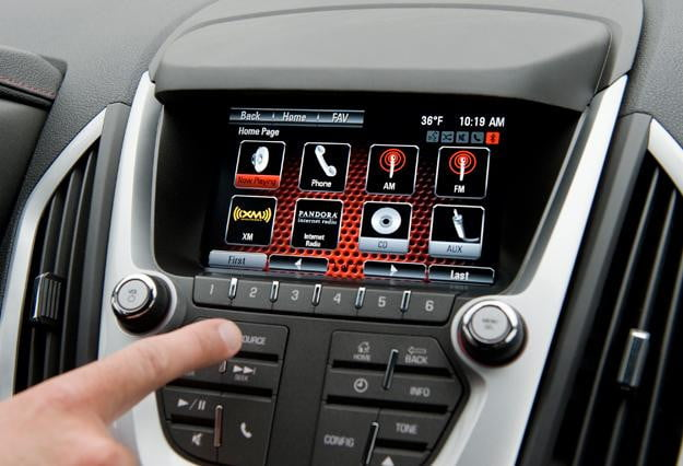 GMC-IntelliLink-adds-further-smartphone-integration-to-your-ride