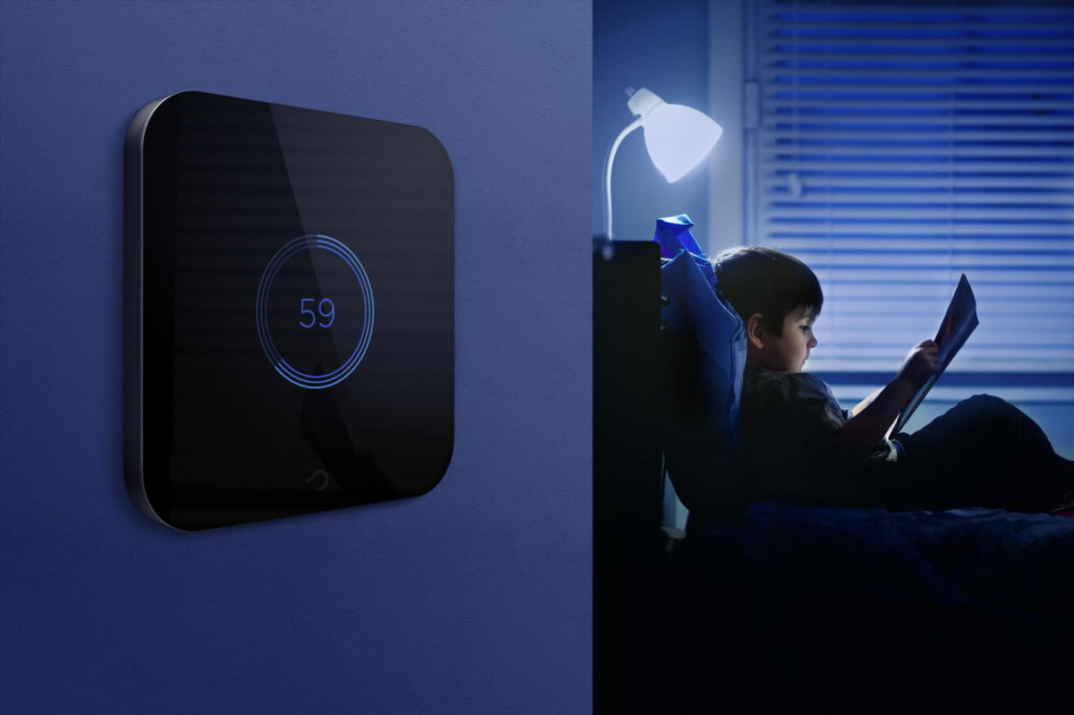 software startup goldee dips toes hardware philips hue compatible smart light switch swithc