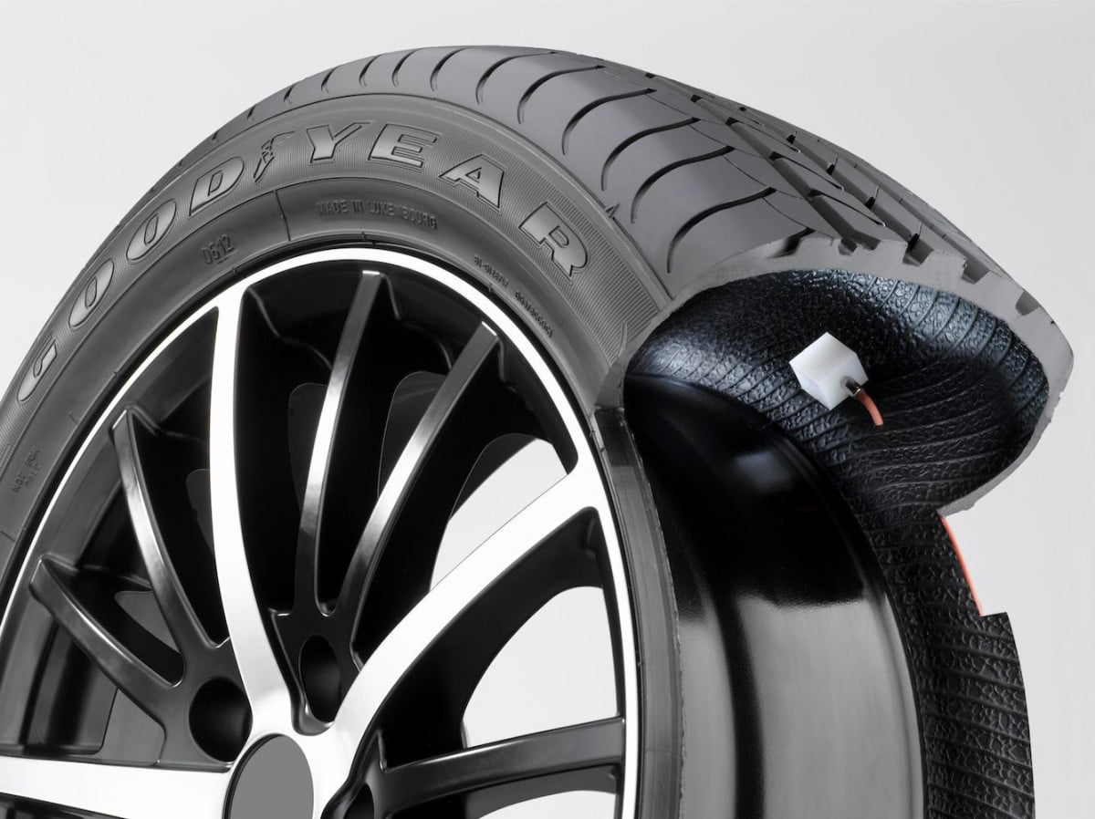 goodyear tests self inflating tire with major fleets amt