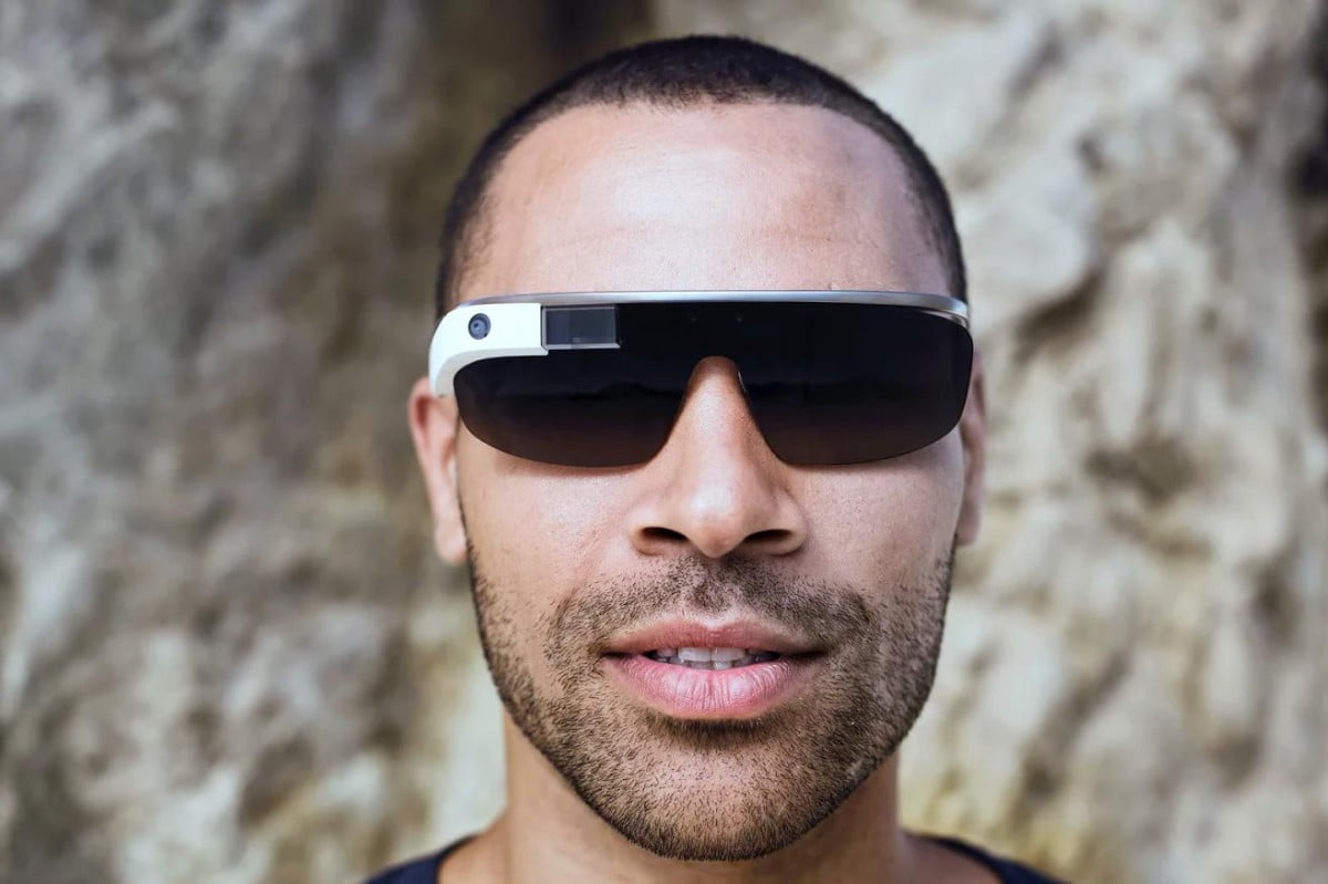 google working on two glass like devices without displays