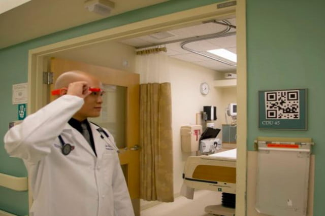 google glass used by doctors in hospitals doctor