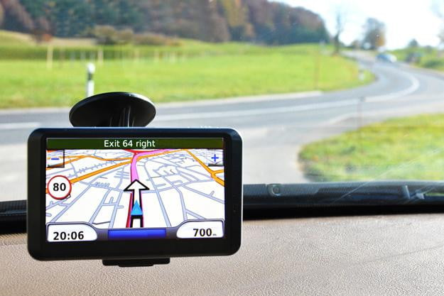 GPS navigator hybrid device mounted windshield in car