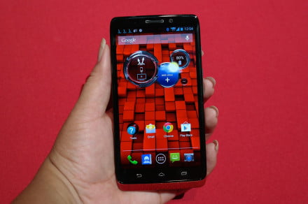 Hands On Motorola Droid Ultra front