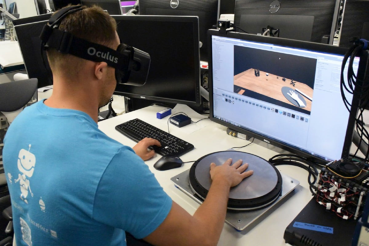 oculus to demo haptic tech for rift hapticx