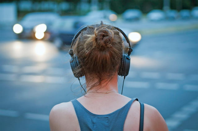 audio aware warns distracted users of dangerous sounds headphones traffic