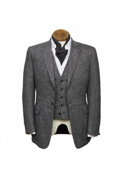 bentley takes bespoke to your torso with these savile row driving jackets henrypoole bespokedrivingjacket front