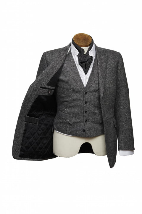 bentley takes bespoke to your torso with these savile row driving jackets henrypoole bespokedrivingjacket frontopenjacket