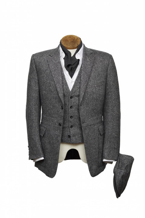 bentley takes bespoke to your torso with these savile row driving jackets henrypoole bespokedrivingjacket frontwithhat