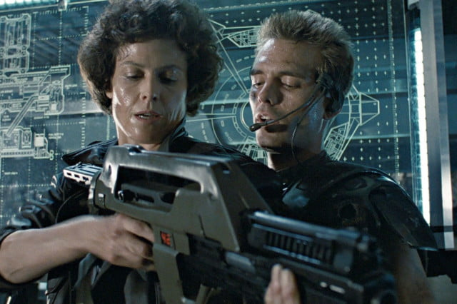 aliens  th anniversary blu ray edition hicks and ripley in