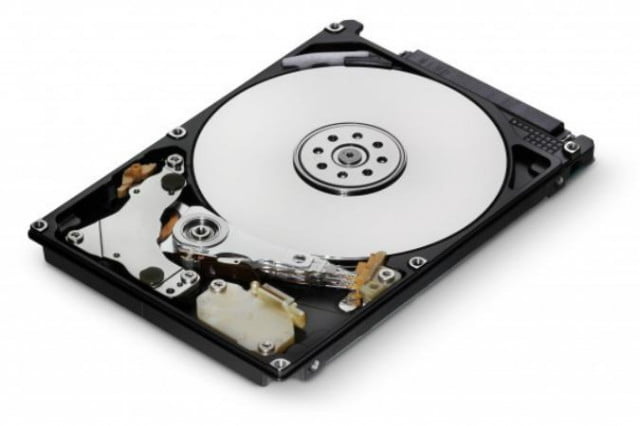 hitachi-travelstar-5k750-hard-drives-01