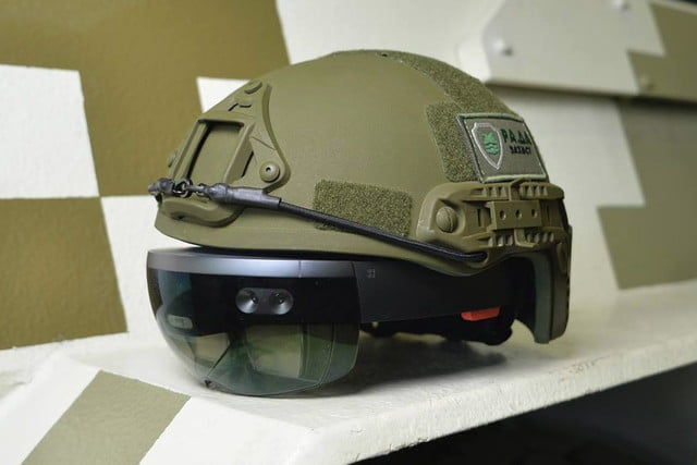 ukrainian military is augmenting tank commanders with hololens headsets hololensmilitary