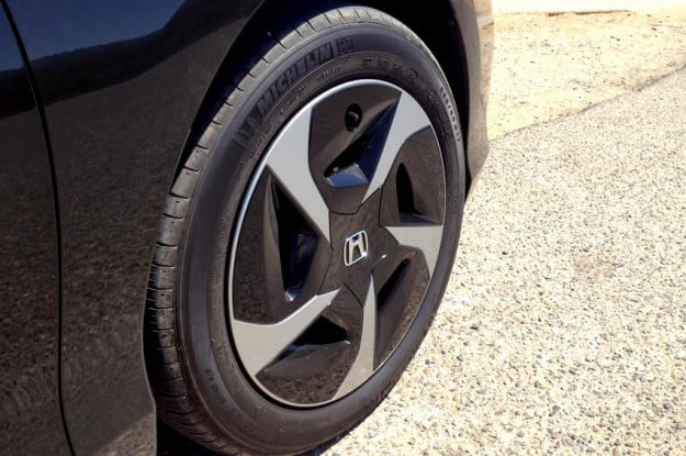 Honda Accord 2013 review exterior back wheel hybrid