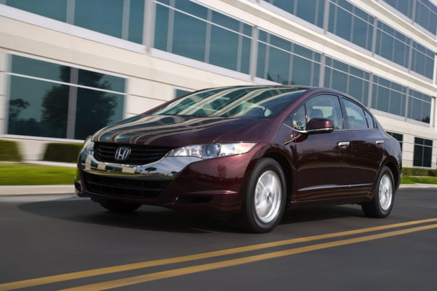 Honda FCX Clarity driving