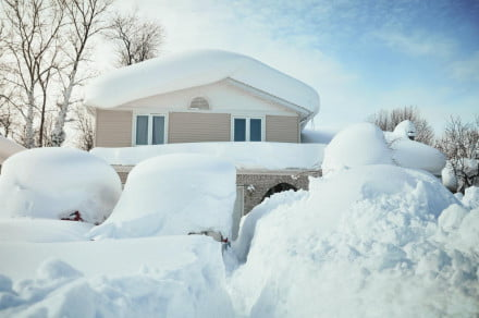 House burried in snow by blizzard