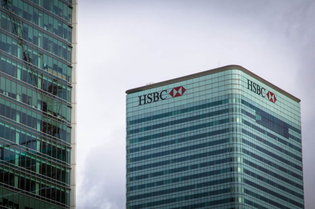 hsbc outage uk tax deadline bank headquarters hq building logo exterior