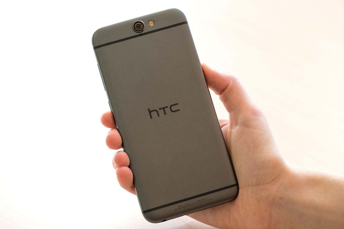 htc delays one a  pre order shipments in the u s sprint customers get it worst app grid