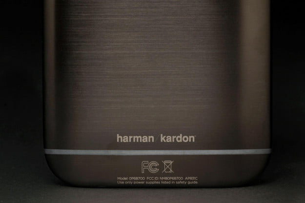 HTC One M8 Harman Kardon edition bottom back