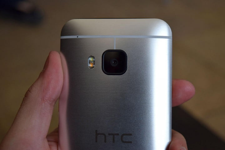 htc one m  hands on back camera