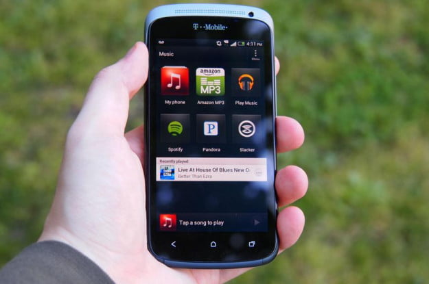 htc-one-s-review-front-android-screen-apps