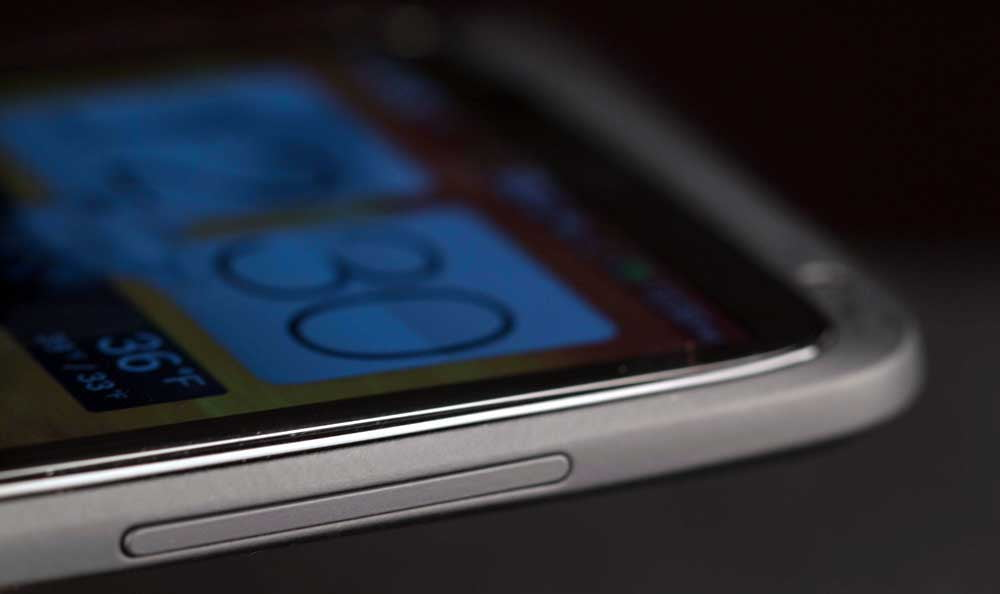 HTC One X Plus review side closeup