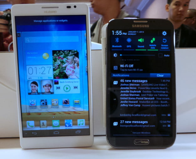 Huawei Ascend Mate next to the Galaxy Note II