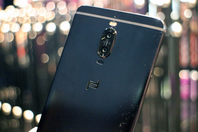 huawei expansion woes mate  porsche design