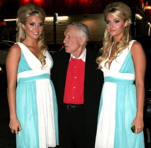 hugh-hefner-confused-by-twins