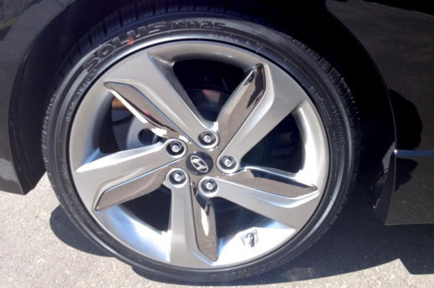 Hyundai Veloster alloy wheels turbo trim