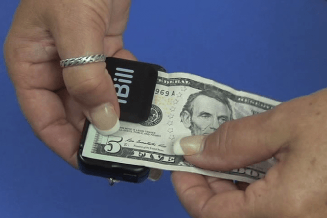 ibill currency reader helps blind tell  bill