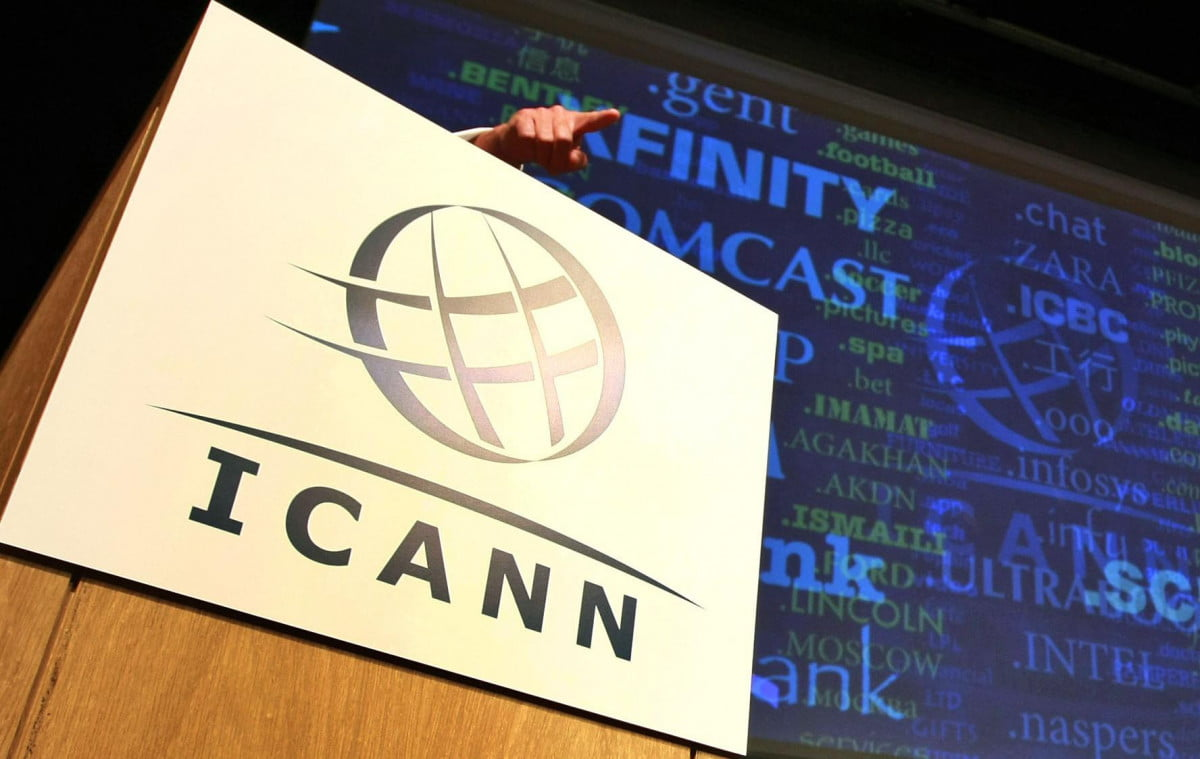 u s surrendering control internet icann domains